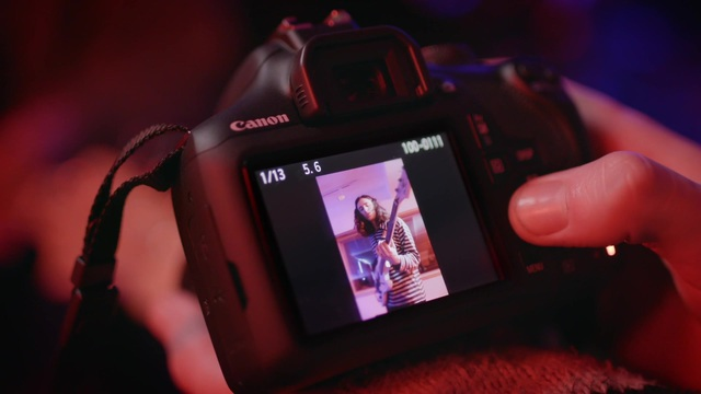 Canon - EOS 2000D - Connectivity Video 16