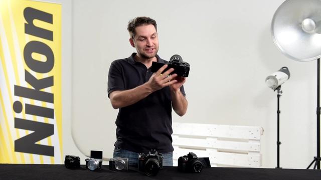 Nikon - Beweglicher Monitor Video 12