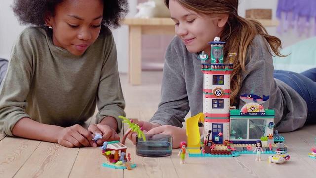 LEGO Friends - Leuchtturm mit Flutlicht 41380 Video 3
